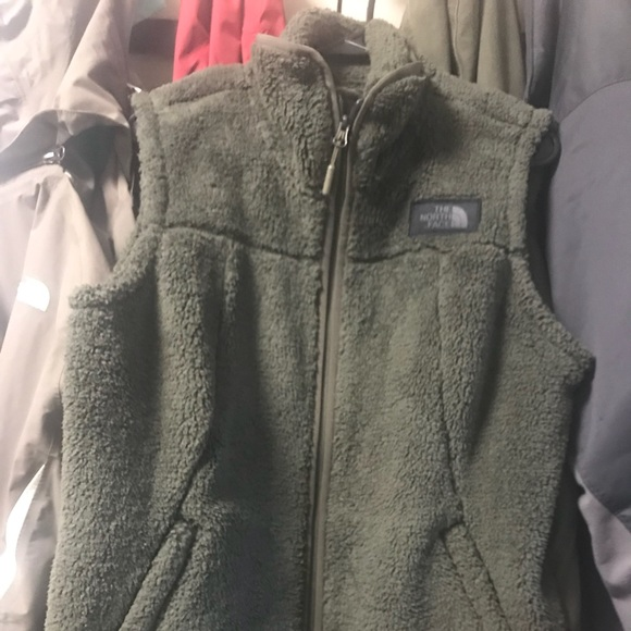 3246ac813 Women's north face campshire vest, green NWT